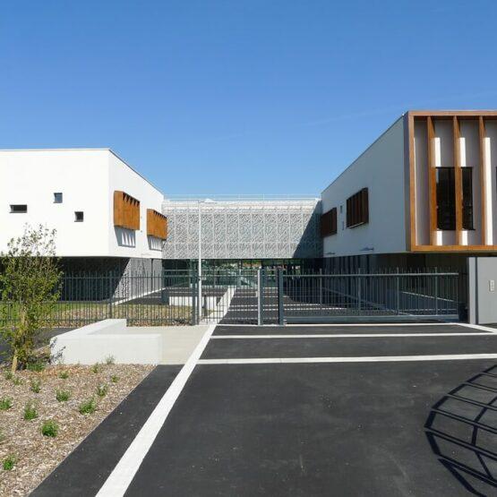 Façade extérieure collège Milcendeau