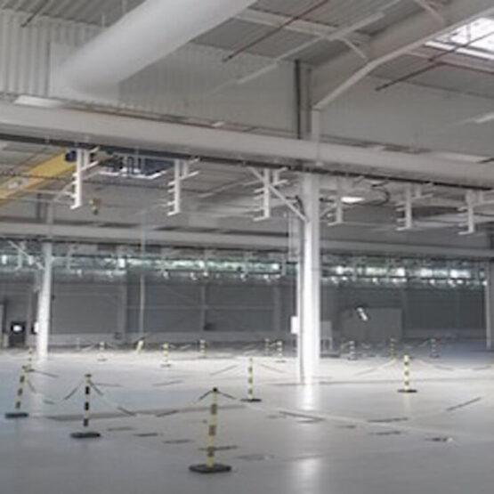Hall industriel usine Safran