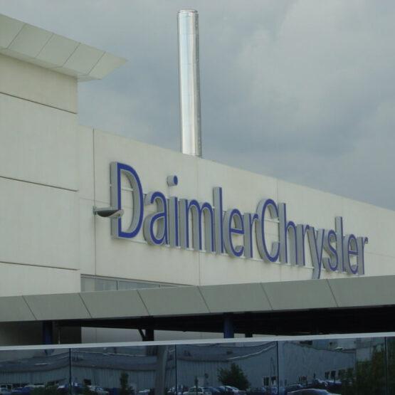 Enseigne entrepôt Daimler Chrysler