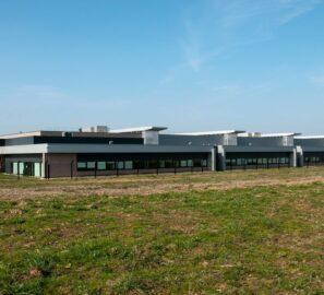 Extérieur usine aéronautique Safran