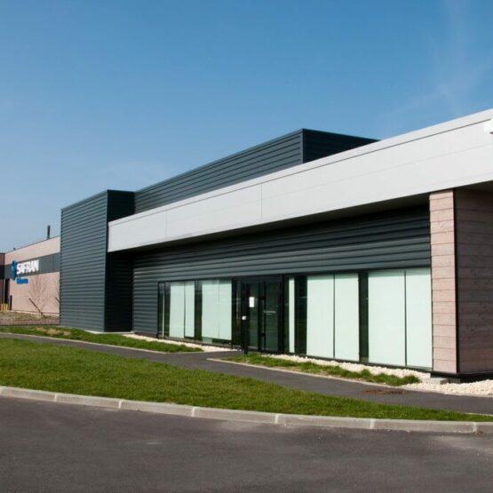 Façade usine de production Safran Turbomeca