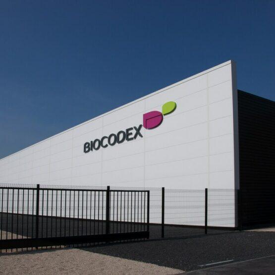 Logo de façade usine de production Biocodex