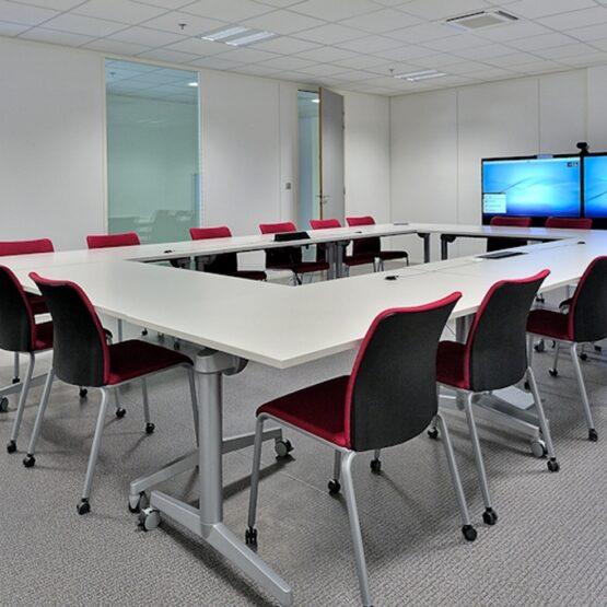 Salle de réunion usine pharmaceutique Biocodex