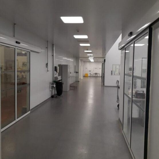 Intérieur bâtiment production Strand Cosmetics