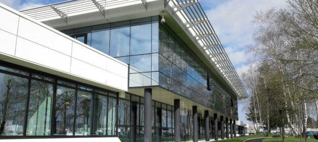 Façade extérieure usine Sisley