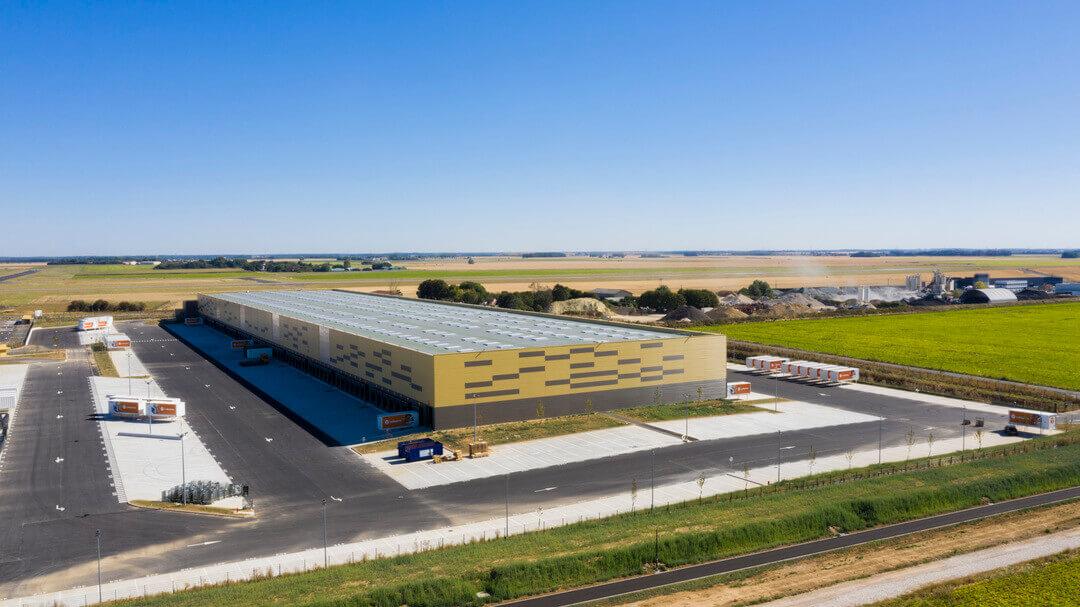 Vue aérienne plateforme messagerie colis ile de France